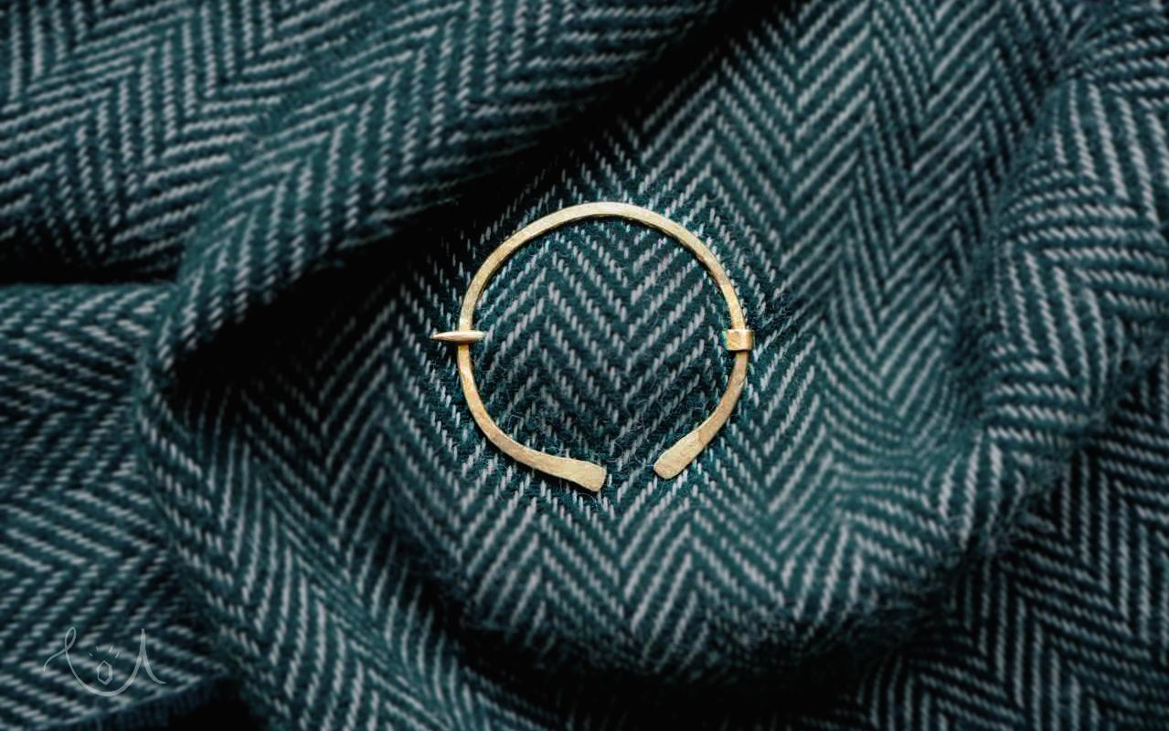 celtycka broszka – penannular brooch
